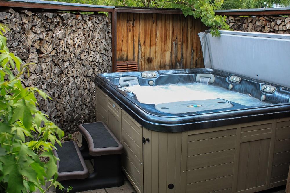 Einfriedung Sichtschutz Whirlpool Privatsphäre Gartenbau Illnau Effretikon  Zürich Oberland
